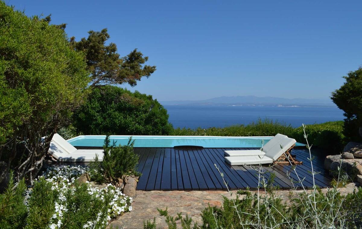 Sardinien ferienhaus am meer pool zur alleinbenutzung for Sardinien ferienhaus am meer