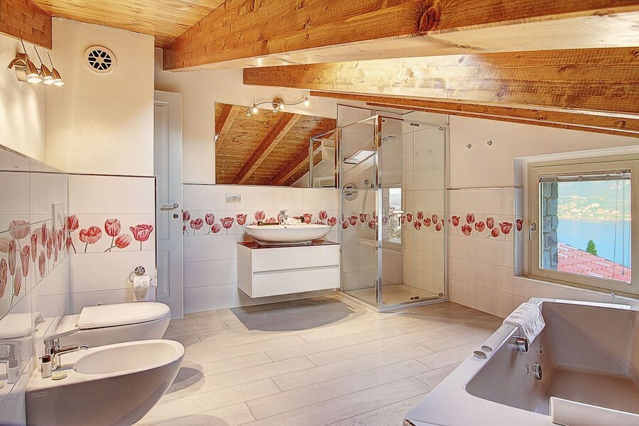 villa-sissi-bathroom-3a