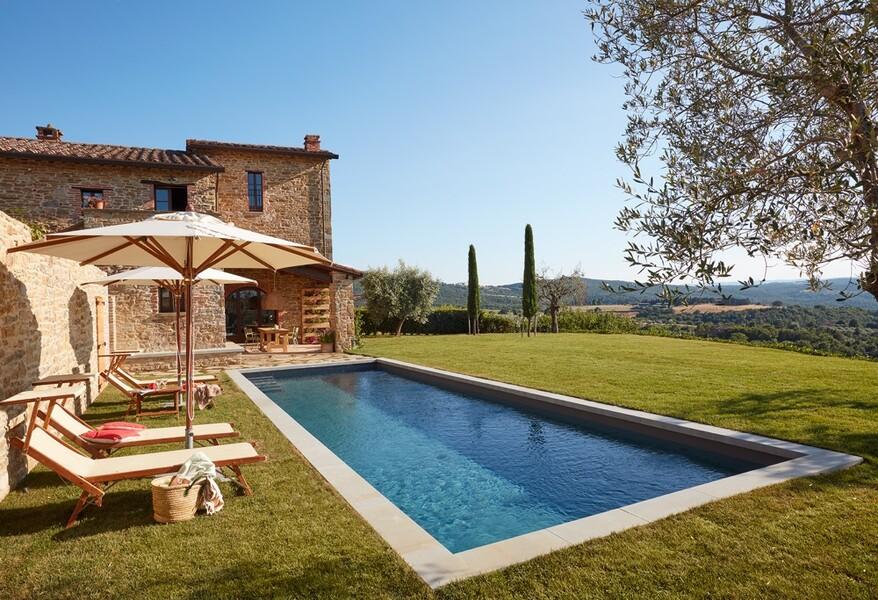 Arco Ferienhaus mit privatem Pool in Umbrien mit Sonnenliegen