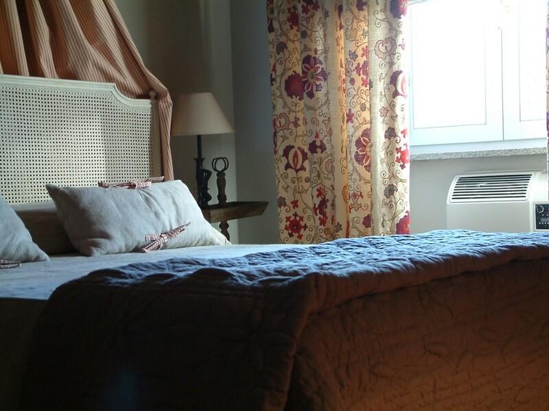 tenuta du ferento particolare letto chambre framboise 1
