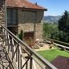 Blick auf den Garten der Cascina delle Langhe