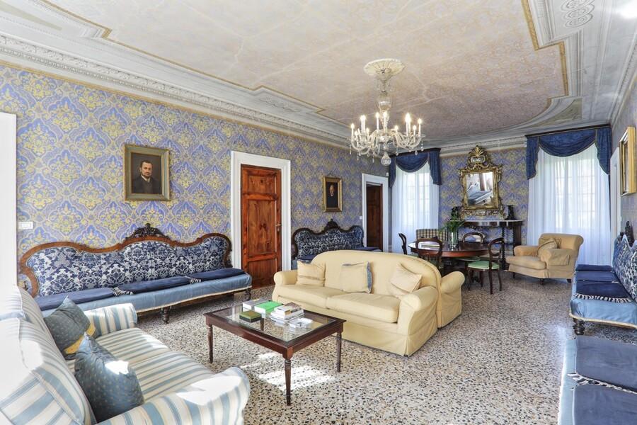 Auch die Inneneinrichtung harmoniert gut mit der Architektur der Villa Carla aus dem 18. Jahrhundert