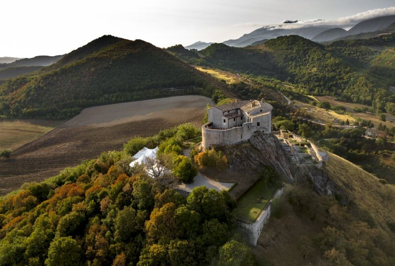 Cagli Urbino-Area Adriatic-Coast-&-The-Marches Castello di Naro gallery 038 1516438546