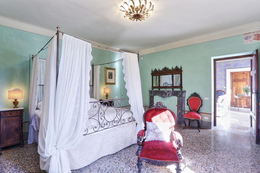 Traumhaften Schlaf finden Sie sicherlich in Ihrem Himmelbett in der Villa Clara
