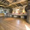Holzbalkendecken sorgen für einen urigen Charme des renovierten Bauernhaues