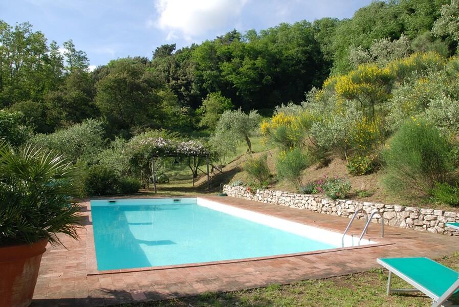 Privater Pool im Garten des Ferienhaus Damiano in der Toskana